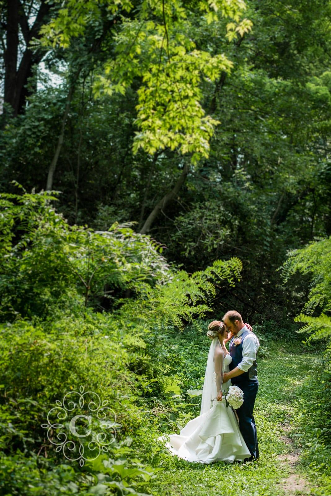 Minnesota Vineyard Wedding Photos