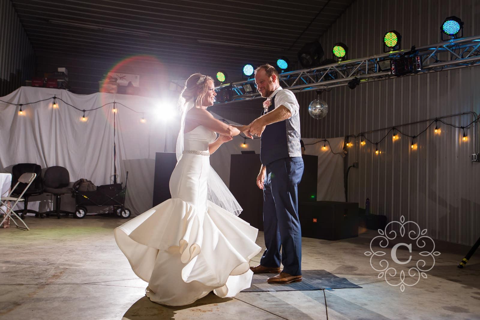 Minnesota Barn Wedding Photos