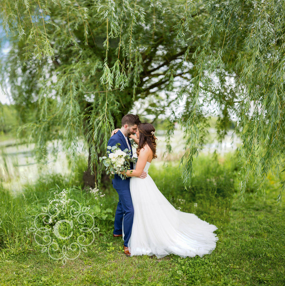 Lake of the Isles Lutheran Church Minneapolis Wedding Photo