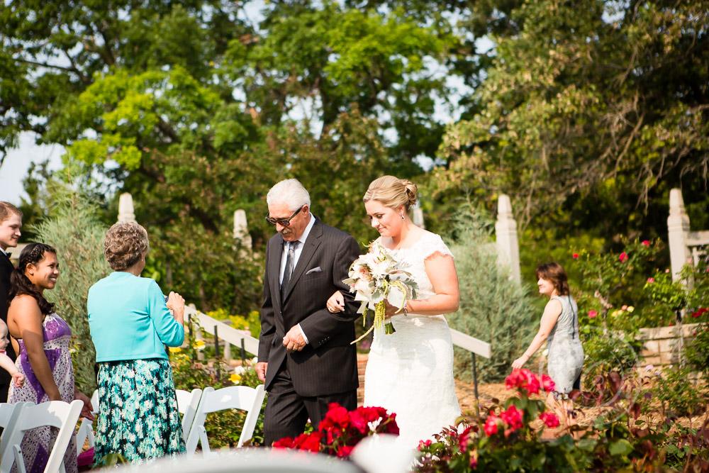 MN Landscape Arboretum Wedding Photo