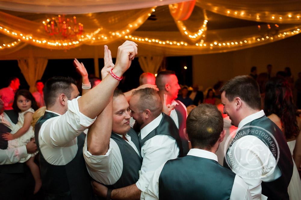 Minnesota Vineyard Winery Wedding Photo