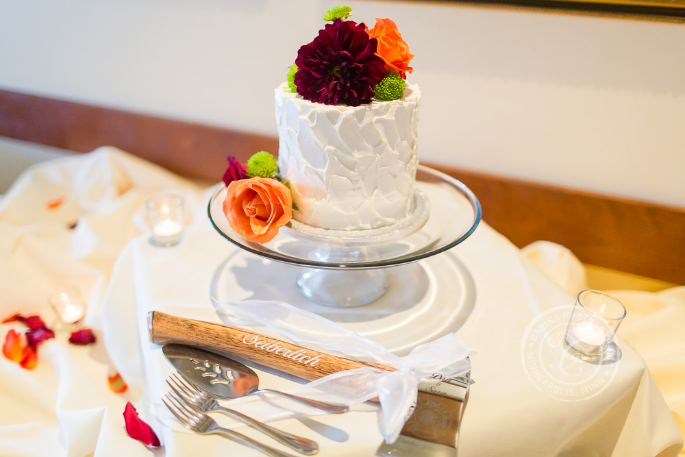 TPC Twin Cities Wedding Cake Photo